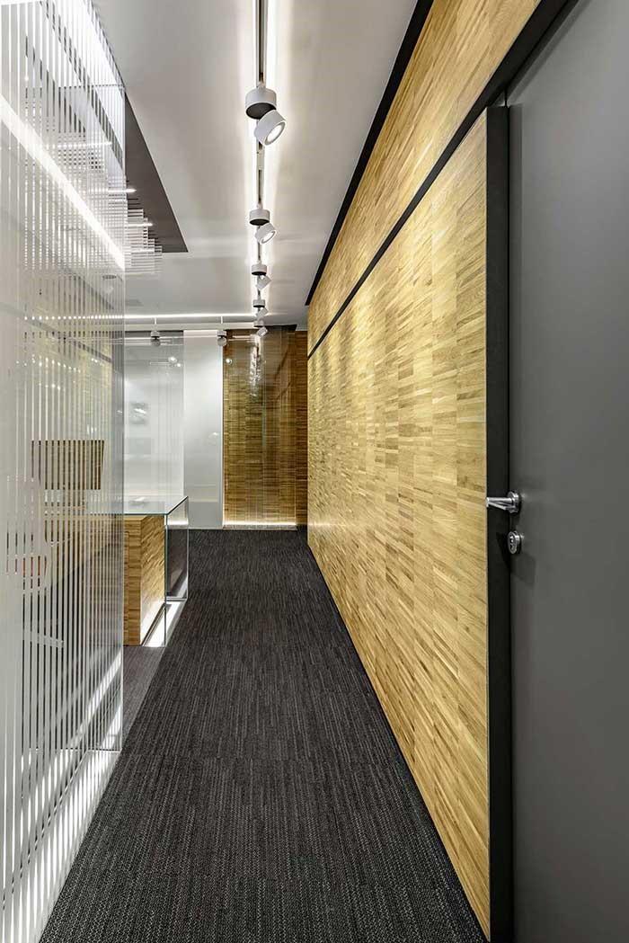 بازسازی و طراحی داخلی دفتر اداری ونوس شیشه