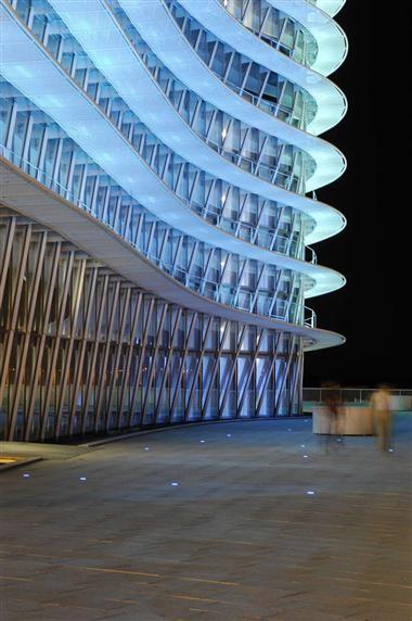 نورپردازی نمای ساختمان های ادارای | طراحی دکوراسیون اداری,دکوراسیون داخلی اداری