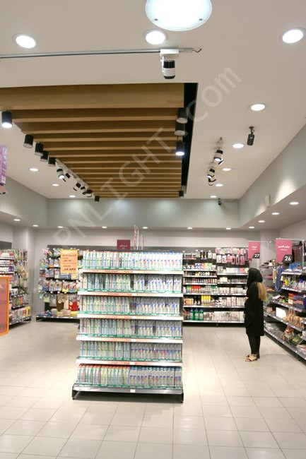 نورپردازی مناسب فروشگاه | طراحی دکوراسیون مغازه,دکوراسیون داخلی مغازه,ویترین مغازه,دکور