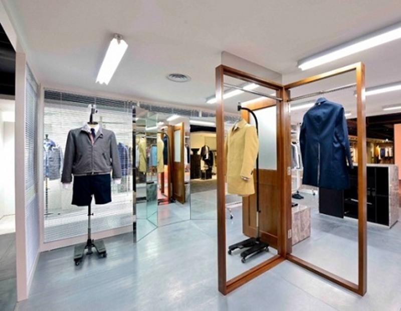ایده طراحی دکوراسیون ویترین مغازه