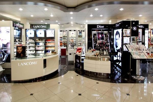 طراحی ویترین ودکوراسیون مغازه آرایشی |طراحی دکوراسیون مغازه,دکوراسیون داخلی مغازه,ویترین