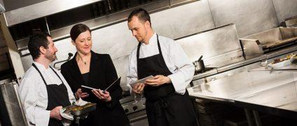افزایش فروش رستوران و فست فود   افزایش فروش فست فود ها   آموزش روش های فروش