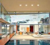 دکوراسیون ویلای لاکچری با دیوار شیشه ای و طراحی مدرن | دکوراسیون داخلی ویلا | طراحی ویلا